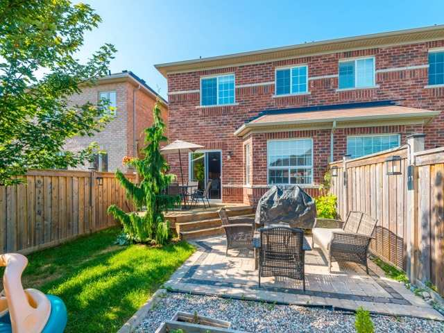 Semi-detached at 88 Cabin Trail Cres, Whitchurch-Stouffville, Ontario. Image 13