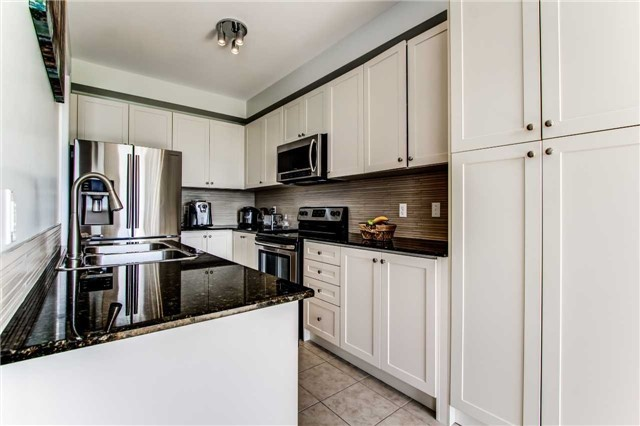 Townhouse at 85 Walter Sinclair Crt, Richmond Hill, Ontario. Image 7