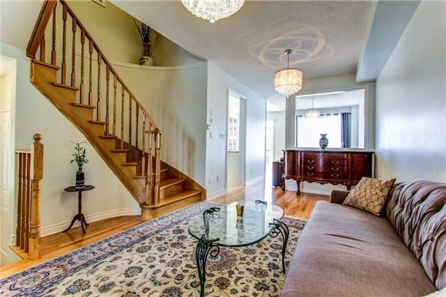 Townhouse at 85 Walter Sinclair Crt, Richmond Hill, Ontario. Image 11