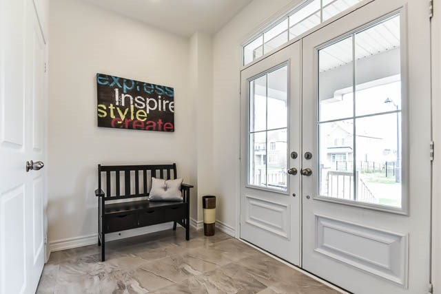 Detached at 64 Manor Forest Rd, East Gwillimbury, Ontario. Image 14
