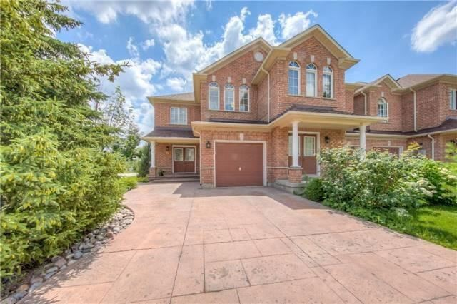 Townhouse at 17 Naughton Dr, Richmond Hill, Ontario. Image 1