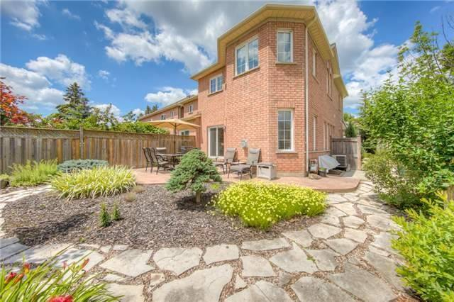 Townhouse at 17 Naughton Dr, Richmond Hill, Ontario. Image 10