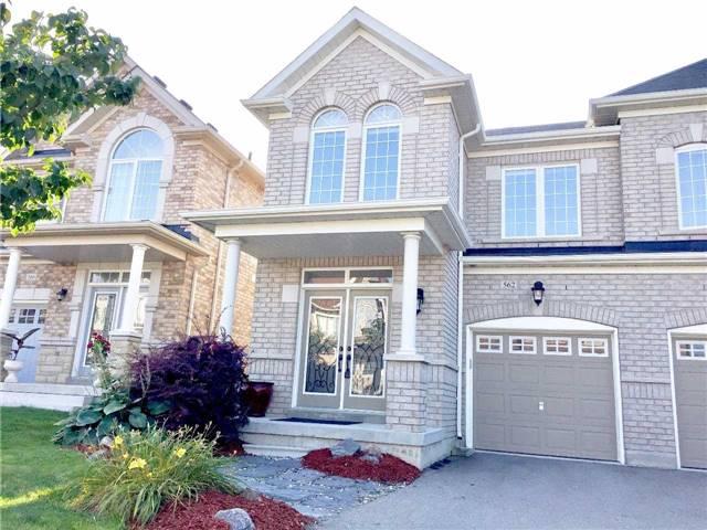 Semi-detached at 562 Foxcroft Blvd, Newmarket, Ontario. Image 1