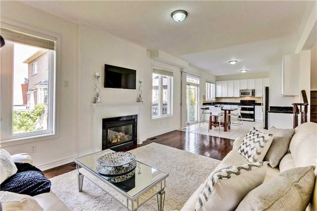 Detached at 20 Augustine Ave, Richmond Hill, Ontario. Image 12