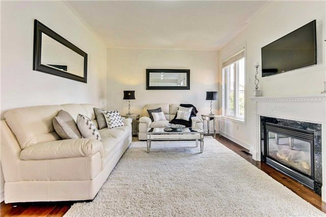 Detached at 20 Augustine Ave, Richmond Hill, Ontario. Image 14