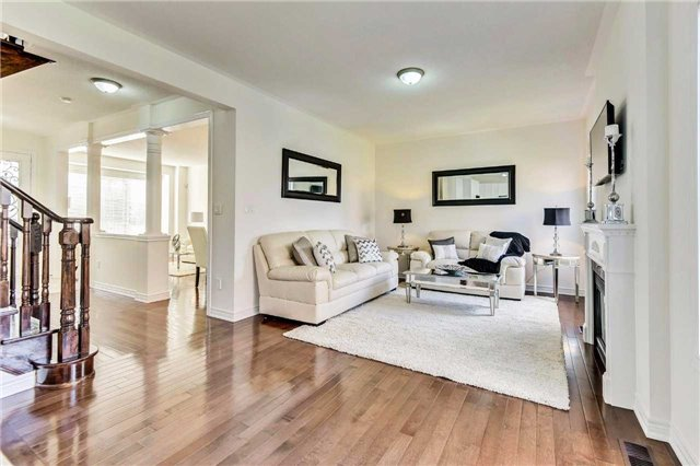 Detached at 20 Augustine Ave, Richmond Hill, Ontario. Image 15