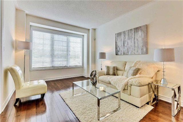 Detached at 20 Augustine Ave, Richmond Hill, Ontario. Image 20