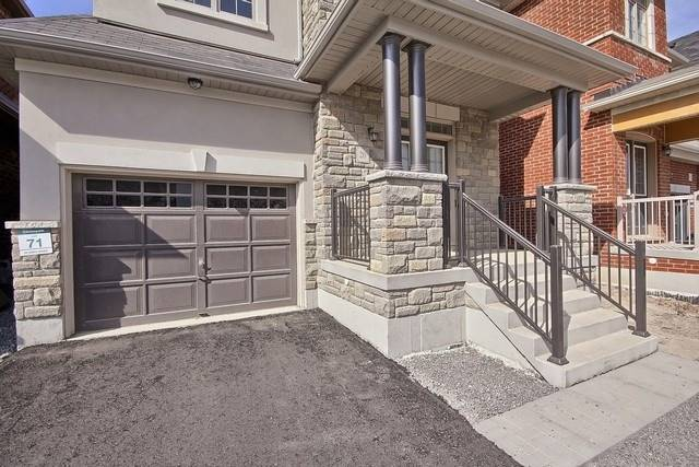 Detached at 20 Temple Ave, East Gwillimbury, Ontario. Image 12