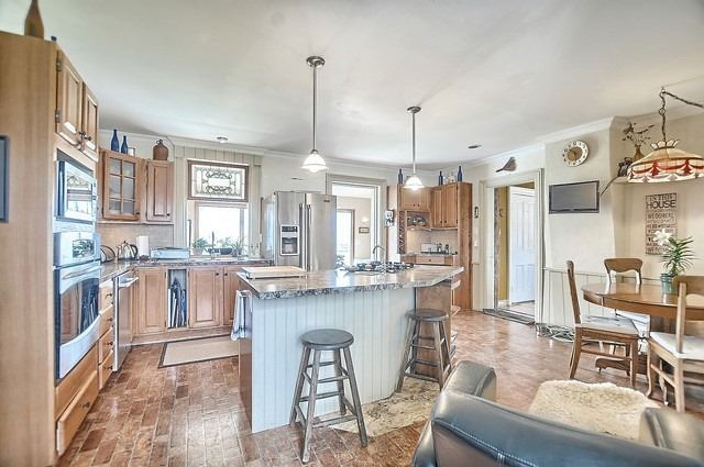 Detached at 4085 County 88 Rd, Bradford West Gwillimbury, Ontario. Image 3