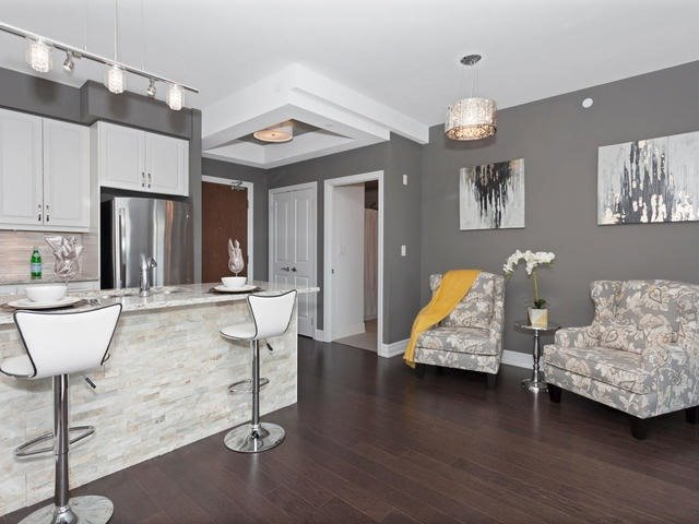 Condo Apartment at 111 Civic Square Gate, Unit 421, Aurora, Ontario. Image 14
