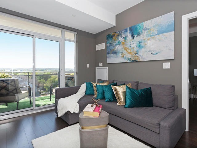 Condo Apartment at 111 Civic Square Gate, Unit 421, Aurora, Ontario. Image 17