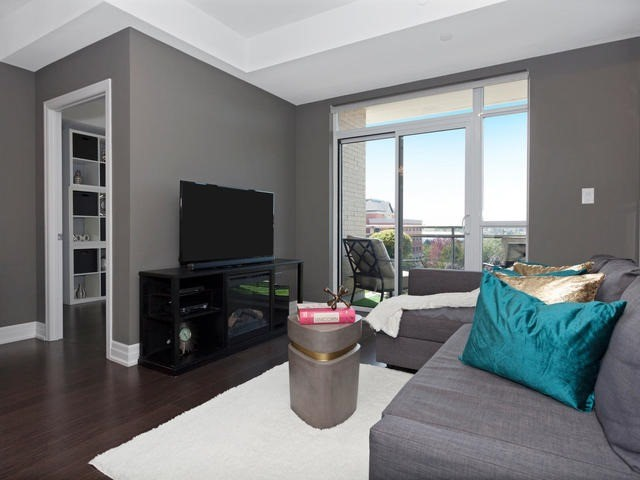 Condo Apartment at 111 Civic Square Gate, Unit 421, Aurora, Ontario. Image 19