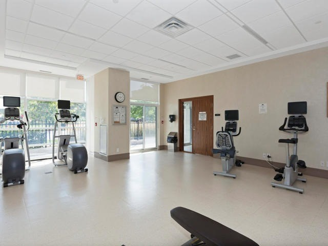 Condo Apartment at 111 Civic Square Gate, Unit 421, Aurora, Ontario. Image 10