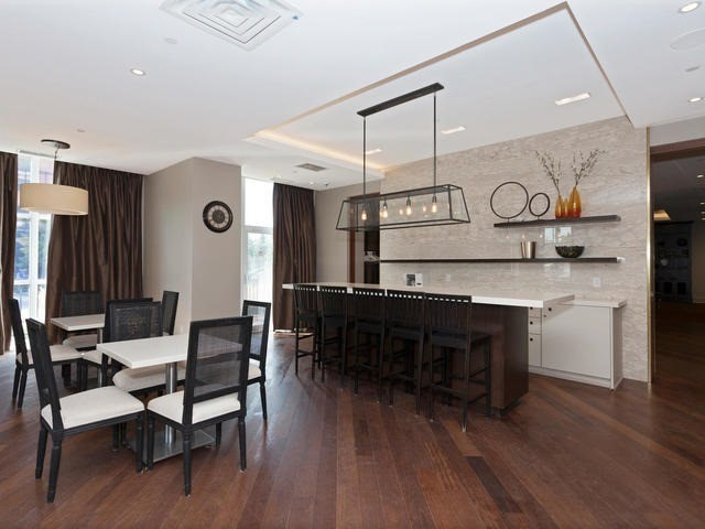 Condo Apartment at 111 Civic Square Gate, Unit 421, Aurora, Ontario. Image 11
