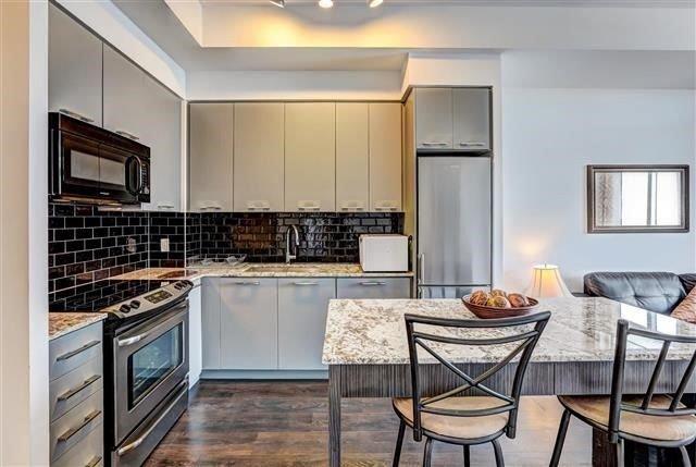 Condo Apartment at 9471 Yonge St, Unit 709, Richmond Hill, Ontario. Image 15