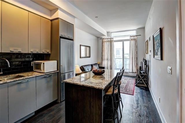 Condo Apartment at 9471 Yonge St, Unit 709, Richmond Hill, Ontario. Image 16