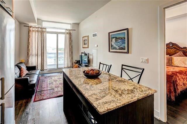 Condo Apartment at 9471 Yonge St, Unit 709, Richmond Hill, Ontario. Image 17