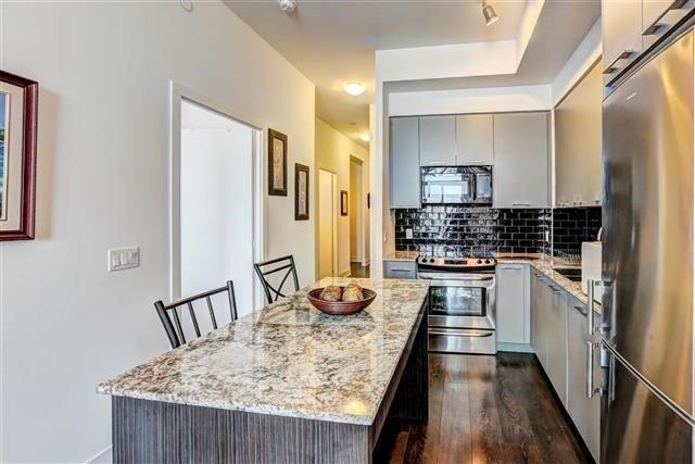 Condo Apartment at 9471 Yonge St, Unit 709, Richmond Hill, Ontario. Image 18