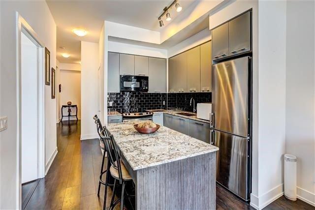 Condo Apartment at 9471 Yonge St, Unit 709, Richmond Hill, Ontario. Image 19
