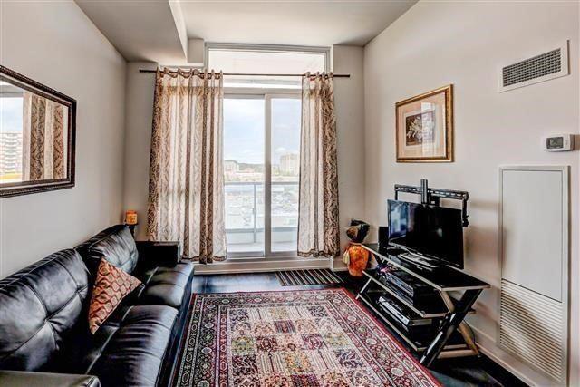 Condo Apartment at 9471 Yonge St, Unit 709, Richmond Hill, Ontario. Image 20