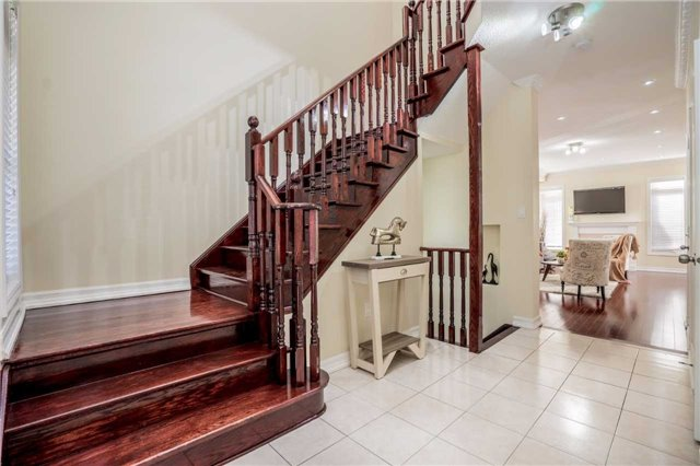 Detached at 121 Cabin Trail Cres, Whitchurch-Stouffville, Ontario. Image 15