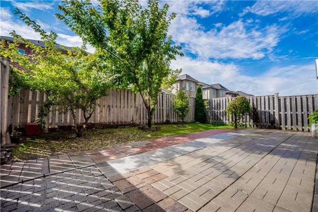 Detached at 121 Cabin Trail Cres, Whitchurch-Stouffville, Ontario. Image 13