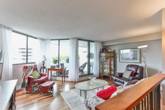 Condo Apartment at 50 Baif Blvd, Unit 604, Richmond Hill, Ontario. Image 11