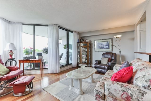 Condo Apartment at 50 Baif Blvd, Unit 604, Richmond Hill, Ontario. Image 12