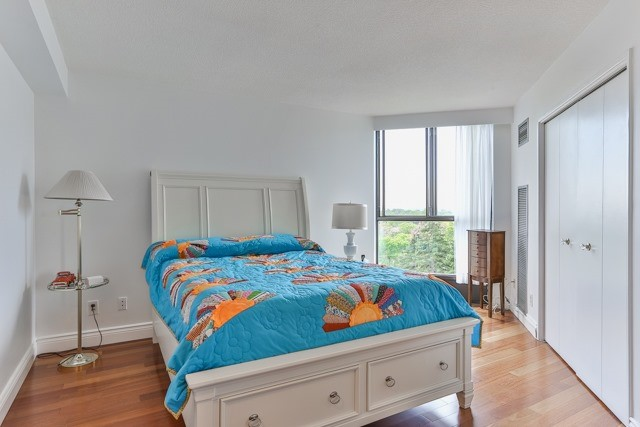 Condo Apartment at 50 Baif Blvd, Unit 604, Richmond Hill, Ontario. Image 17