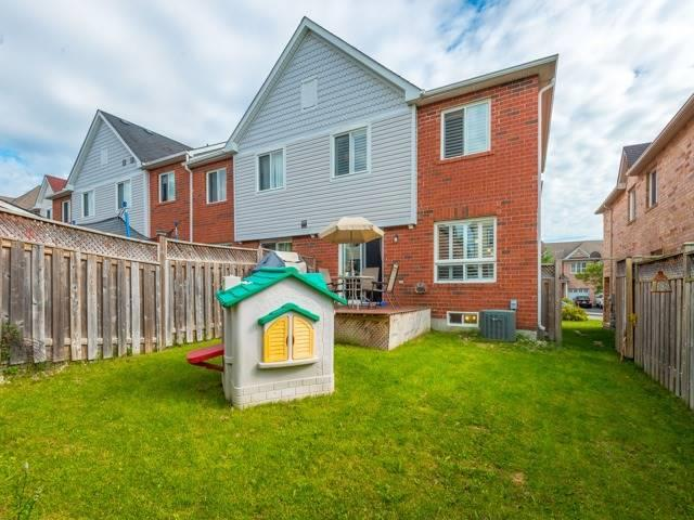 Townhouse at 60 Hartford Cres, Newmarket, Ontario. Image 9
