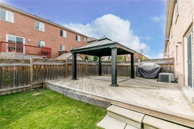 Semi-detached at 99 Gail Parks Cres, Newmarket, Ontario. Image 8