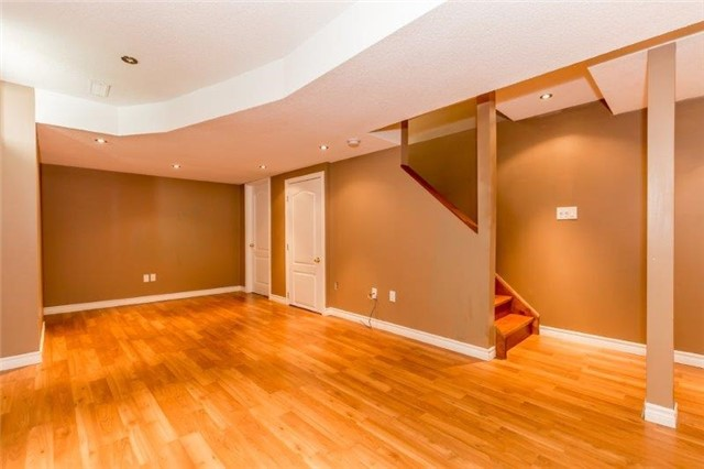Semi-detached at 99 Gail Parks Cres, Newmarket, Ontario. Image 2
