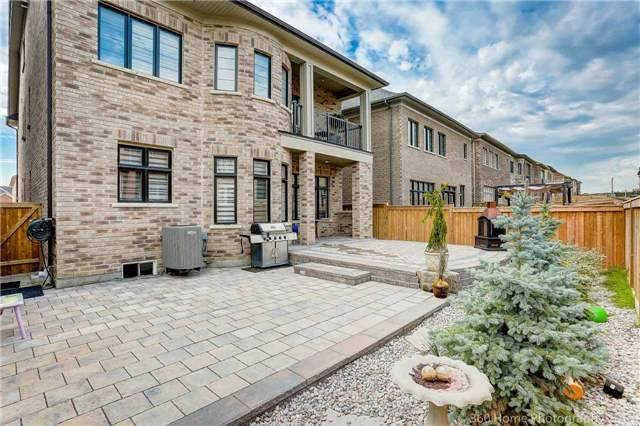 Detached at 8 Horse Rake Rd, Vaughan, Ontario. Image 12