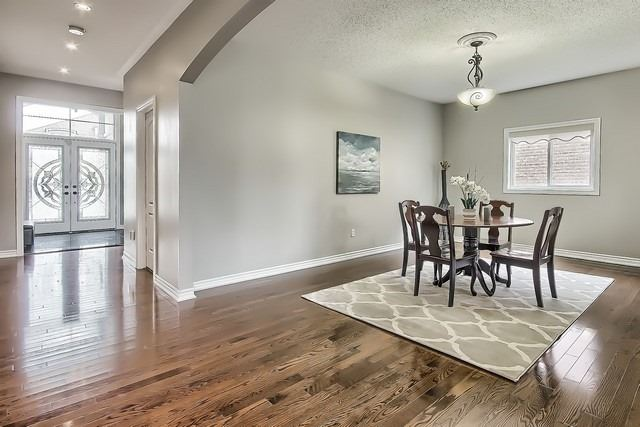 Detached at 82 Cosford St, Aurora, Ontario. Image 14