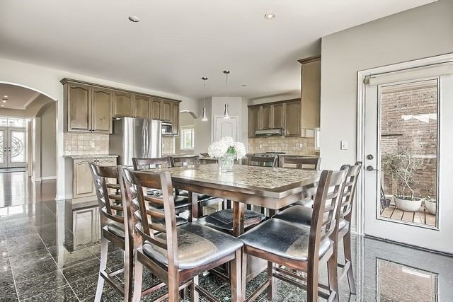 Detached at 82 Cosford St, Aurora, Ontario. Image 18