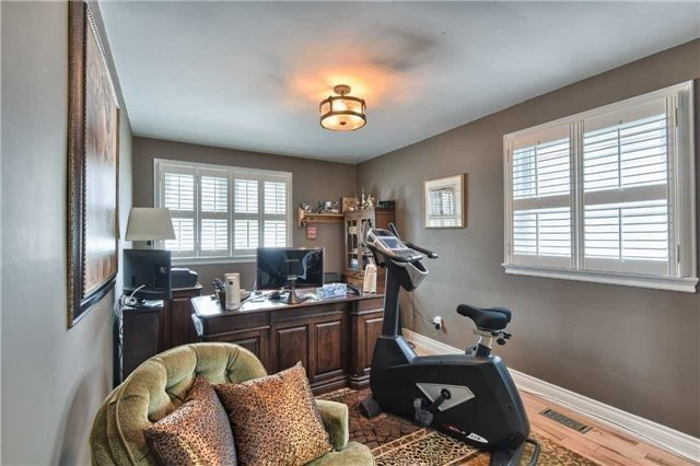 Detached at 63 Hillside Ave, Vaughan, Ontario. Image 16