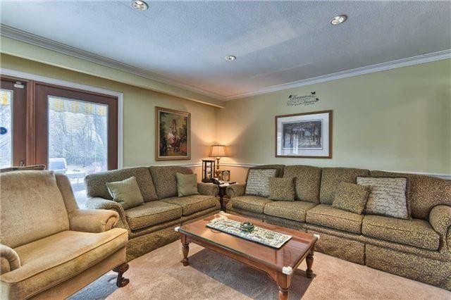 Detached at 63 Hillside Ave, Vaughan, Ontario. Image 5