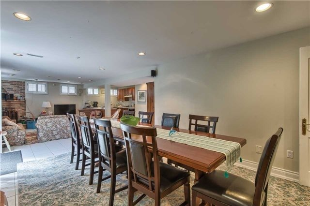 Detached at 63 Hillside Ave, Vaughan, Ontario. Image 6