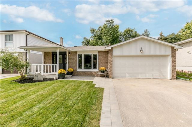 Detached at 42 Mitchell Ave, New Tecumseth, Ontario. Image 1