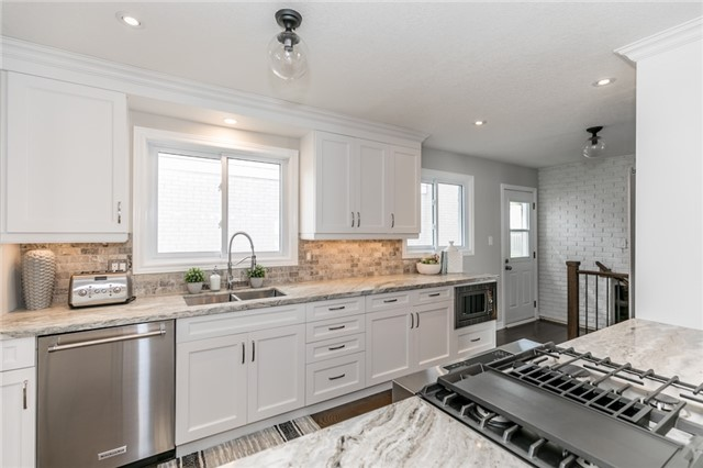 Detached at 42 Mitchell Ave, New Tecumseth, Ontario. Image 14