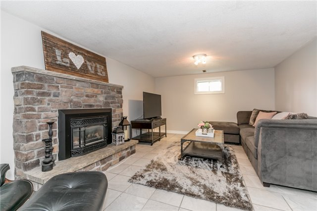Detached at 42 Mitchell Ave, New Tecumseth, Ontario. Image 7