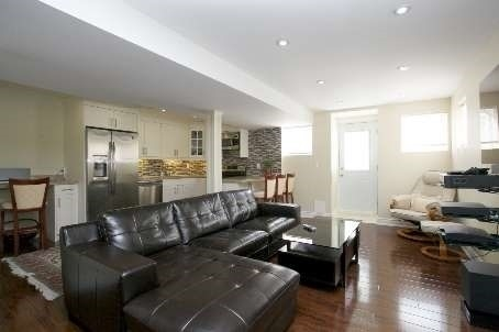 Townhouse at 59 Southvale Dr, Vaughan, Ontario. Image 5