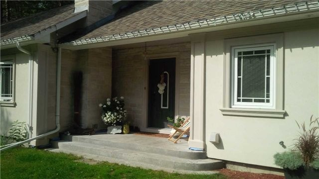Detached at 4286 Hogback Rd, Adjala-Tosorontio, Ontario. Image 4