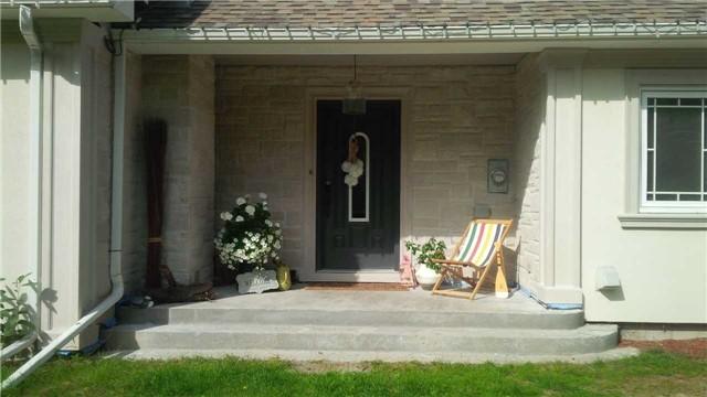 Detached at 4286 Hogback Rd, Adjala-Tosorontio, Ontario. Image 5