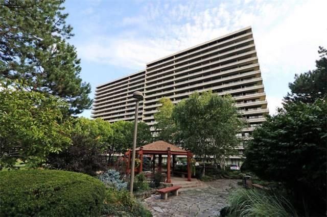 Condo Apartment at 8111 Yonge St, Unit 1002, Markham, Ontario. Image 1