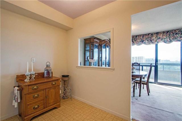 Condo Apartment at 8111 Yonge St, Unit 1002, Markham, Ontario. Image 19