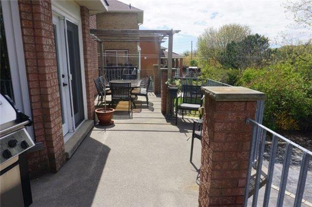 Detached at 124 Vineyard Crt, Vaughan, Ontario. Image 16
