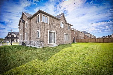 Detached at 122 Belfry Dr, Bradford West Gwillimbury, Ontario. Image 9