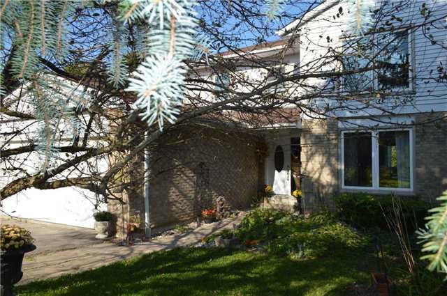 Detached at 45 Valley Mills Rd, East Gwillimbury, Ontario. Image 12