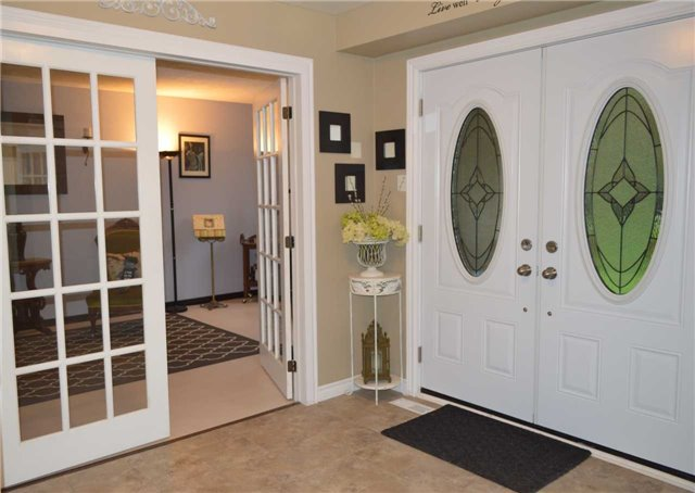 Detached at 45 Valley Mills Rd, East Gwillimbury, Ontario. Image 14